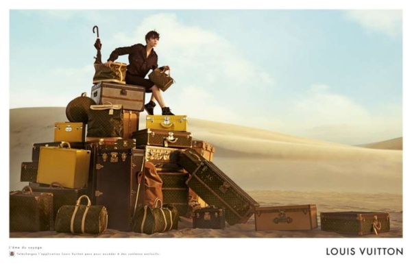 louis-vuitton-publicité-luxe-marketing-afrique-animaux-savane-safari-voyage-Edie-Campbell-Karen-Elson-Peter-Lindbergh-4