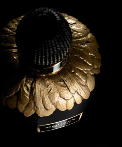 022516-mcqueen-fragrance-embed