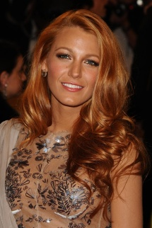 strawberry_bronde_blonde_color_tono_pelo_rubio_rojizo_cobrizo_pelirrojo_ashley_tisdale_blake_lively_985586916_620x930