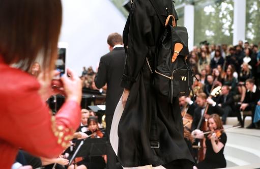 burberry-womenswear-s_s16-show-2