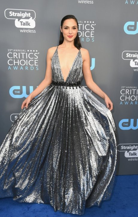 Gal-Gadot-Dress-2018-Critics-Choice-Awards.jpg