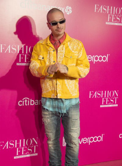 fashion-fest-pink-carpet-j-balvin-sln-.jpg.imgw.1280.1280