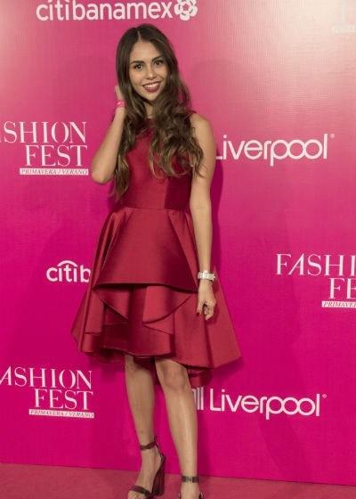 fashion-fest-pink-carpet-sofia-ramos-sln-.jpg.imgw.1280.1280